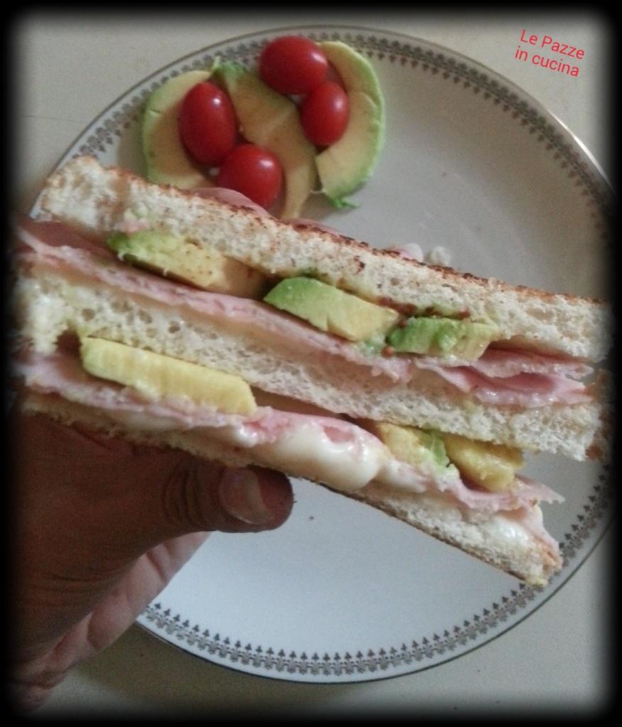 Sandwich golosi con avocado e senape